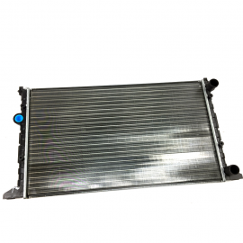 Radiador de agua para Golf A3 y Jetta A3. (CON AIRE ACONDICIONADO).